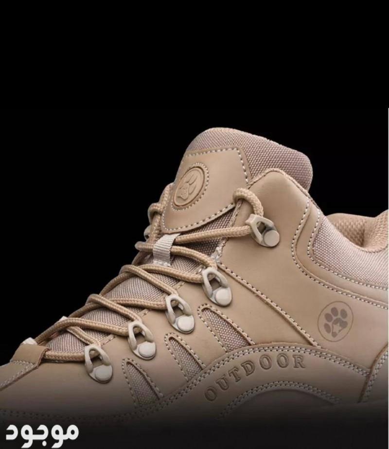 حذاء عسكري او موضه مصنوع من جلد البقر